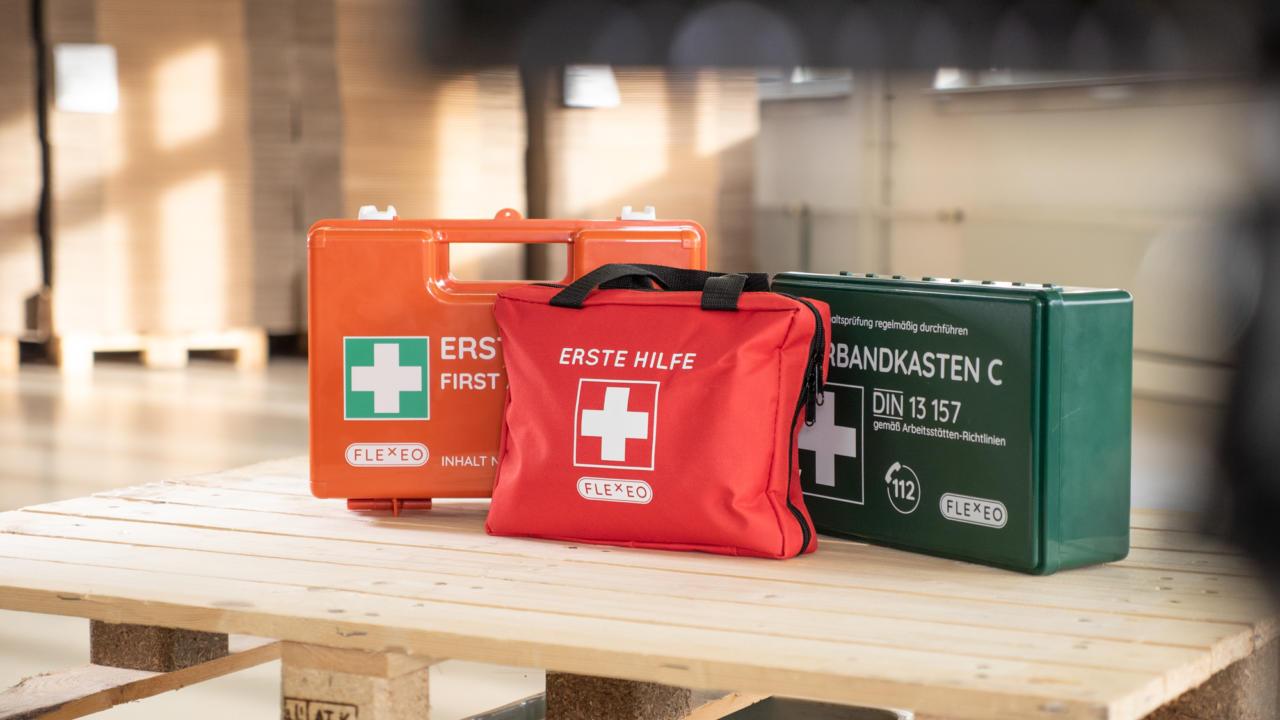 Erste Hilfe Im Vergleich Koffer Vs Kasten Vs Tasche Flexeo